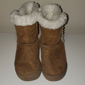 Toddler Girl Size 7/8 Tan Fuzzy Boots